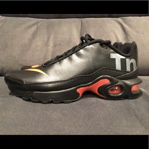 Nike Air Max Plus TN SE BG AR0005-001 Black Orange